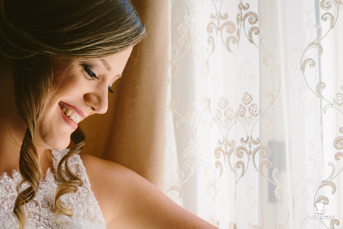 sposa alla finestra