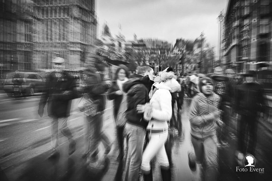 01 Anteprima Lillo e Lucia Londra 01.mpg_snapshot_03.07_[2017.02.07_10.35.10]_CD