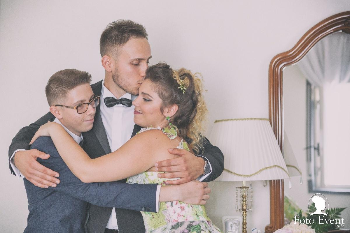 abbraccio famiglia fotografo annalisa contrino