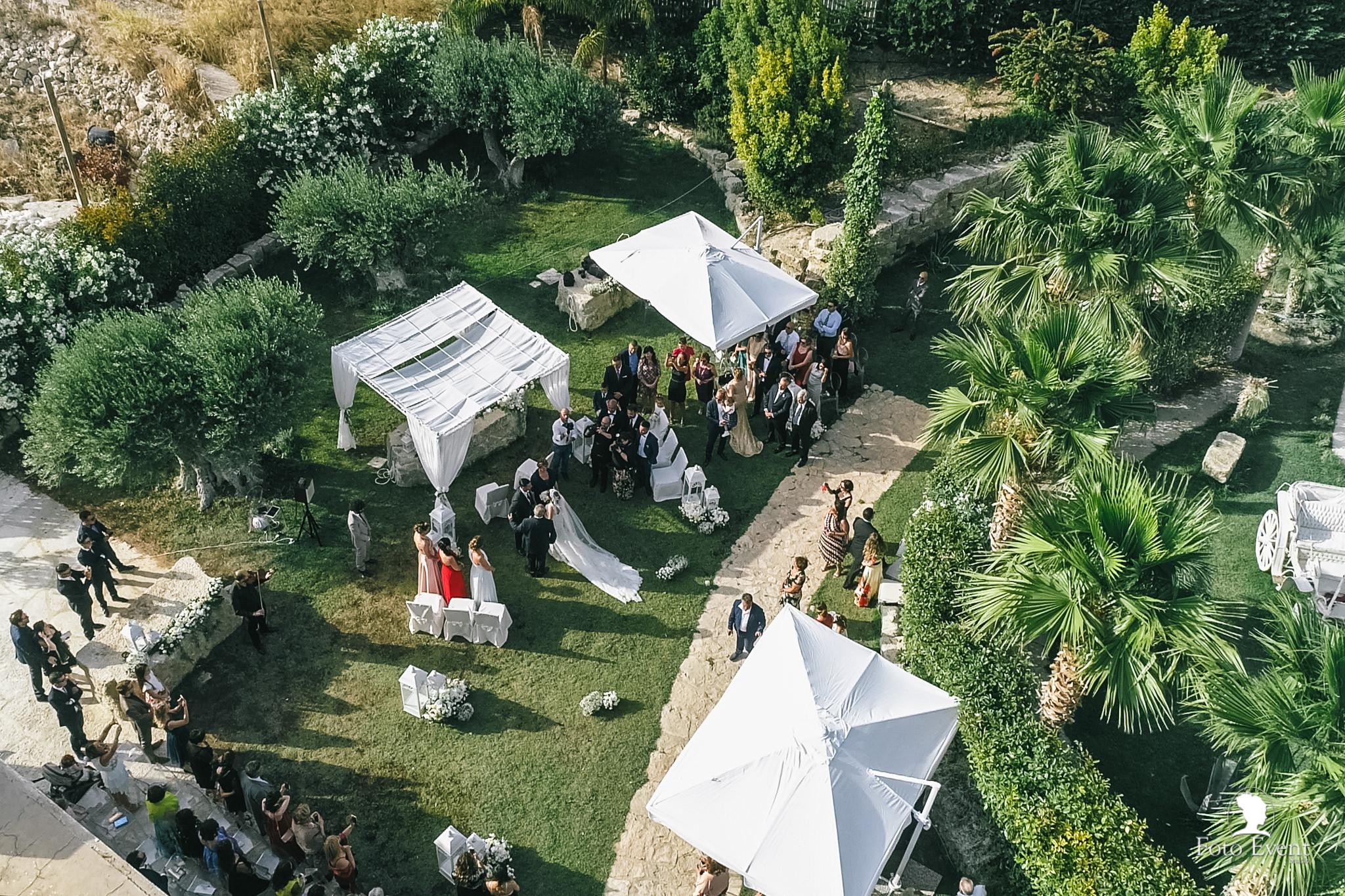 047-2019-06-12-Matrimonio-Angelo-e-Rosa-Ripellino-Feudo-Burrajotto-Grano-Lago-003.MP4_snapshot_03.38_2019.07.19_12.55.35